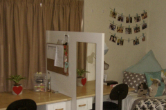 Isa-Carstens-Stellenbosch-Campus-Residence-Accommodation-Room-with-desk-and-divider